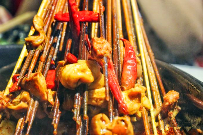 串串香店须配有米饭类主食吗