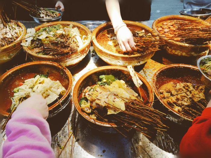 钵钵鸡菜品上桌需要舀汤吗