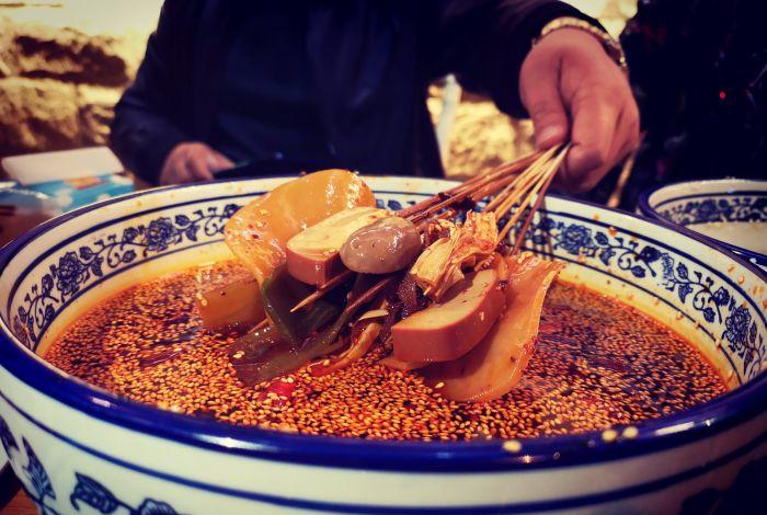 袁小生乐山钵钵鸡源自望平街的美味体验B.jpg