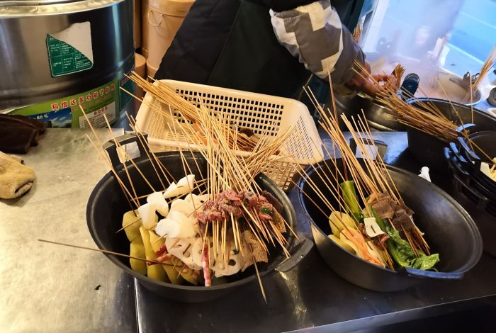 冷锅串串大锅和小锅的汤是一样的吗
