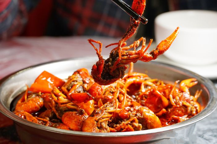 夏天火锅串串店的龙虾怎么做好吃B.jpg