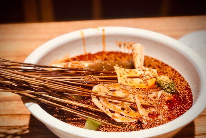钵钵鸡红油和藤椒哪个好吃