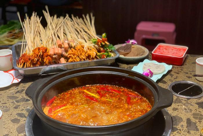 串串香和火锅味道一样吗